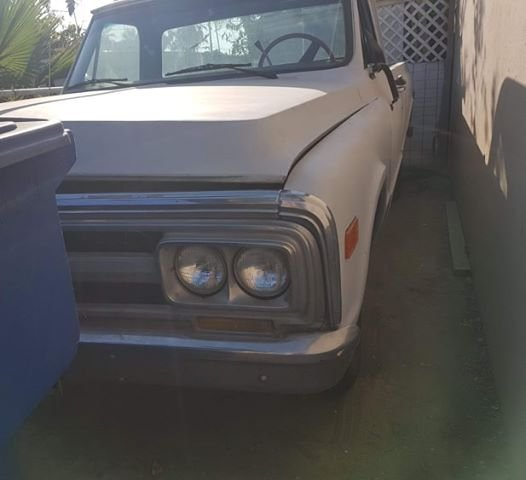 GMC Pickup front 1969